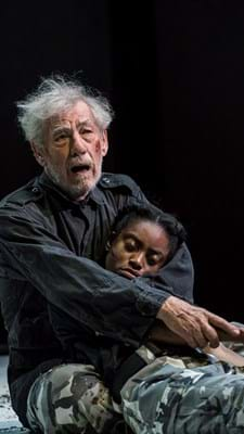 Ian-McKellen-as-King-Lear-and-Anita-Joy-Uwajeh-as-Cordelia-Credit-Johan-Persson.jpg