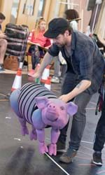 Jimmy Grimes with Gub-Gub the Pig in rehearsals for DOCTOR DOLITTLE credit Alastair Muir.jpg