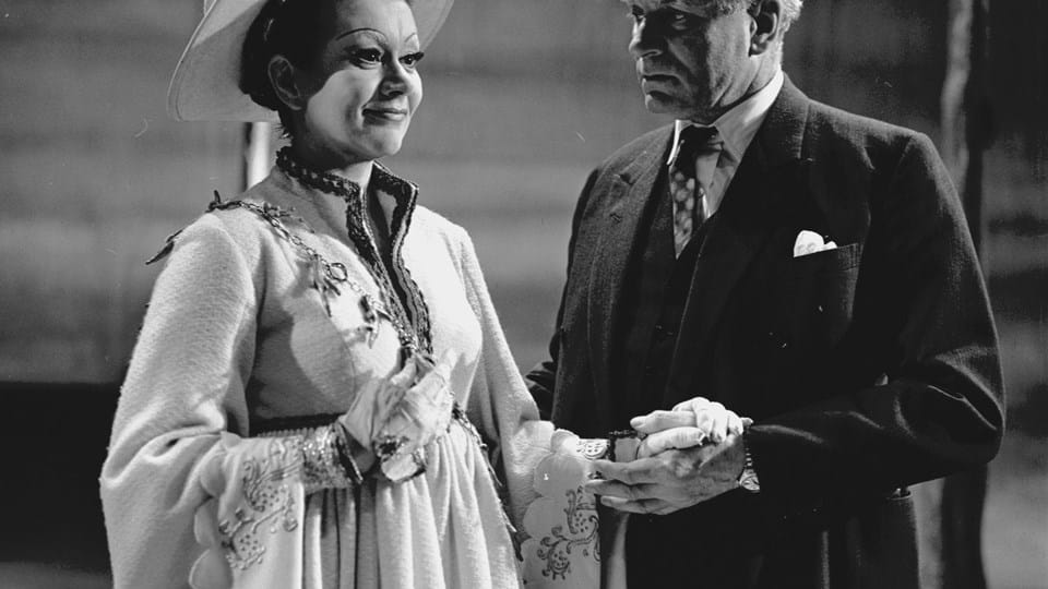 Joan Plowright and Laurence Olivier in Loves Labours Lost at the King's 1969.jpg