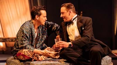 NTL 2019 Present Laughter - Photograph by Manuel Harlan 346.jpg